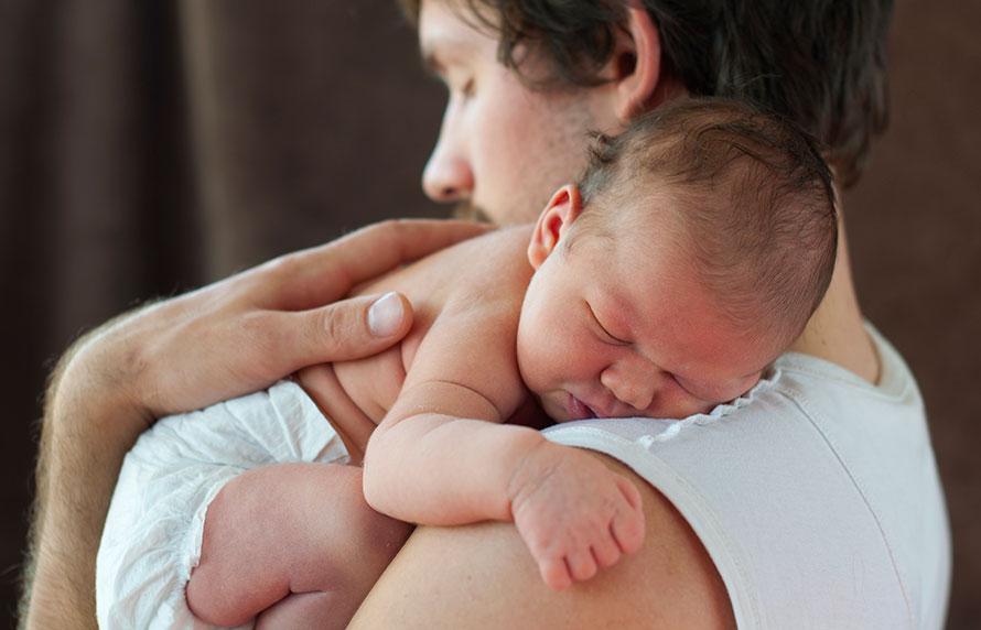 ¿El bebé pueder nacer con hernia umbilical?